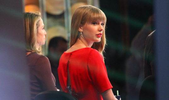 """Taylor Swift's New Track for """"Fifty Shades Darker"""" Proves She is A Hypocrite"""