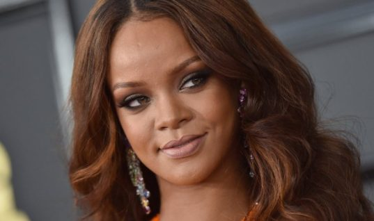 Harvard University Has Named Rihanna the 2017 Humanitarian of the Year — She Is the First Black Female Artist to Get This Award
