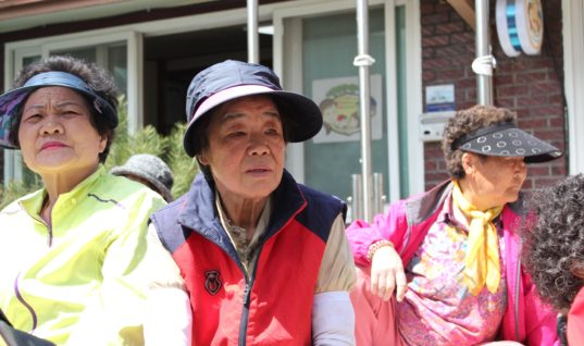 My Experience Volunteering at a Soup Kitchen for the Elderly in South Korea
