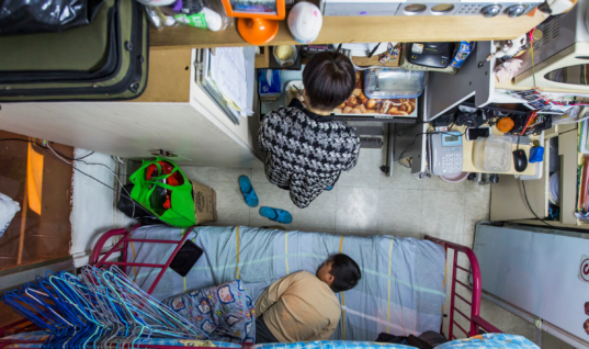"Housing Crisis In Hong Kong Forces 200,000 To Live In ""Coffin Homes"""